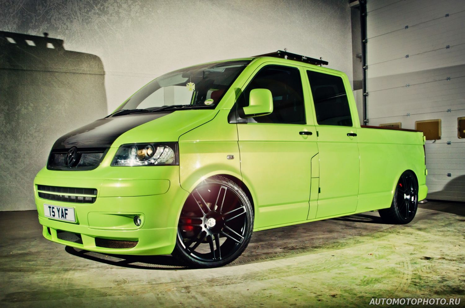 Custom Wheels Volkswagen T5 Photo